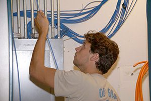 Polk Electric - Installing Cables